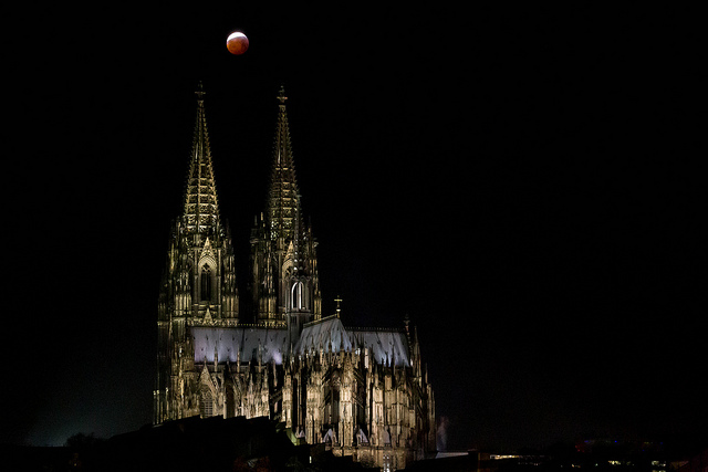 Blood Moon. Credit: Marco Verch | https://www.flickr.com/photos/160866001@N07/46774908792/