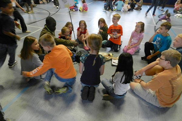 Students Playing Duck Duck Goose | Credit: Herald Post (https://www.flickr.com/people/heraldpost/)