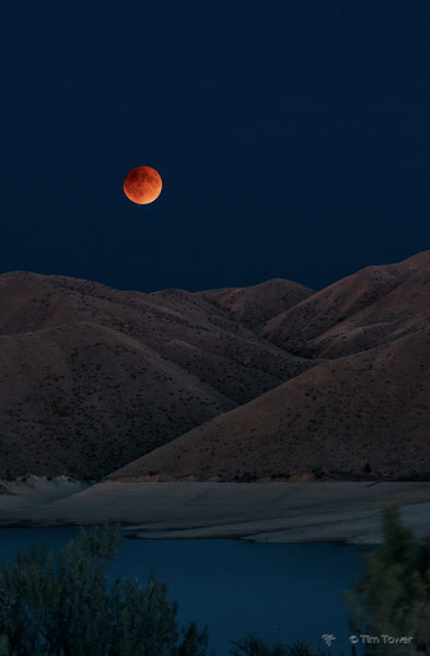 Lunar eclipse - Bloodmoon. Credit: Tim Tower