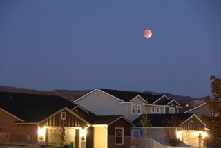 Lunar eclipse - Bloodmoon. Credit: Troy Shreve